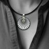 FORMschmuck-Kautschukband Anhänger Silber rund Muster